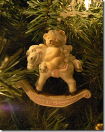 елочная игрушка мишка на лошадке