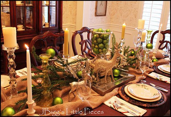 рождественский декор стола золотые олени