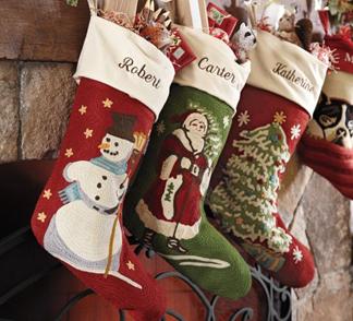 красный чулок для рождественских подарков