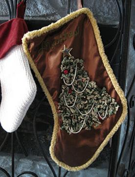 вышитый вручную рождественский чулок для подарков