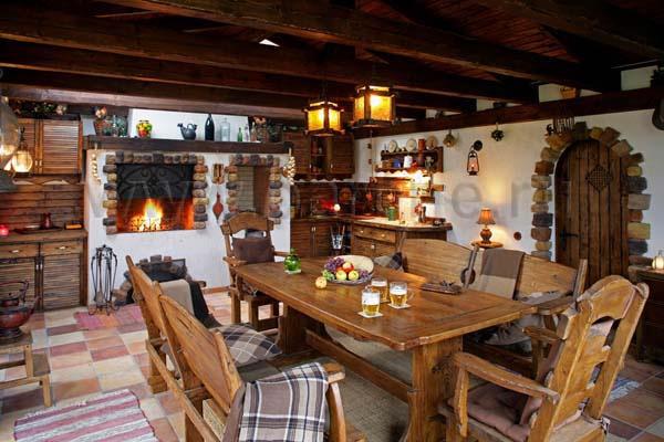 Столовая дома в стиле шале дизайнер Барене