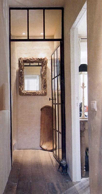 коридор в интрьере бельгийского дизайнера