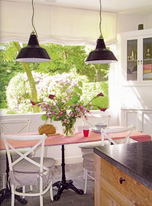 интерьер от бельгийского дизайнера - кухня в гостевом доме