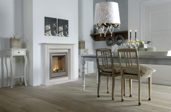 газовый камин в классическом интерьере столовойгазовый камин в клиссическом интерьере гостиной