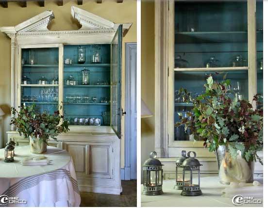 Белый с цветом морской волны шкаф в стиле прованс
