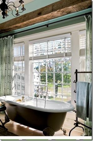 традиционная ваннаяя в загородном доме