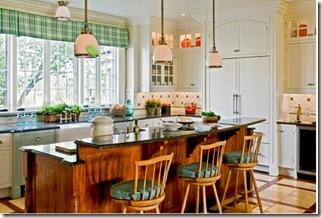 деревянный остров на кухне клетчатые шторы