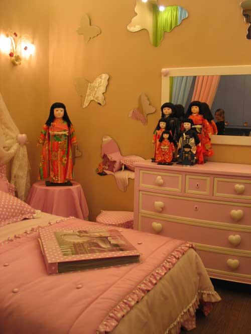 японские куклы дарума в интерьере
