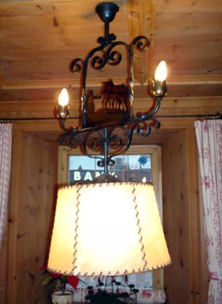 Кованый светильник из ресторана в Тироле