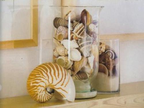ракушки в стеклянных колбах -  морской стиль в интерьере