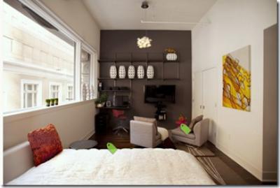 темно-коричневые стены в спальне